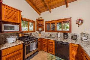 costa-rica-oceanfront-beach-house-rental-playa-grande-casa-costa-palmera-interior-09
