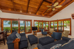 costa-rica-oceanfront-beach-house-rental-playa-grande-casa-costa-palmera-interior-12